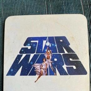 Star wars coaster  10*10 -fast pris -køb 4 annoncer og den billigste er gratis - kan afhentes på Mimersgade 111. Kbh n - sender gerne hvis du betaler Porto - mødes ikke andre steder  - bytter ikke