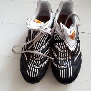 Adidas fodboldstøvler, str 36 2/3.