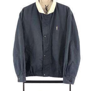 YSL jakke Fitter M Cond 8-9 700kr