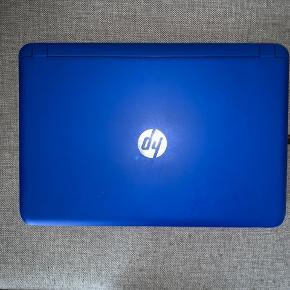 Sælger min Quad-core HP laptop i farven blå. Den er 15,6 tommer og har en harddiskplads på 1000 GB. Den er slidt da den er langsom til at tænde. Np: Købte den for 4000kr mp:1700kr købte den for 3 år siden, og har ikke brugt den særlig meget. I må meget gerne komme med bud. Men holder mig til omkring de 1700kr