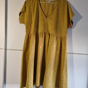 MILK COPENHAGEN kjole eller nederdel