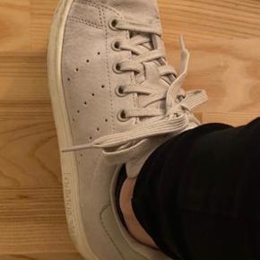 Adidas stan Smith i beige. fin stand ☺️