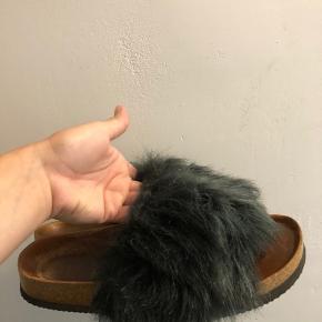 Sælger disse sandaler fra Zara. De er brugte men stadig i fin stand