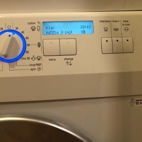 Super fin og god Siemens vaskemaskine. 1400 omd.  Støjsvag - elektronisk display  osv.   Tørretumbler sælges på anden annonce.