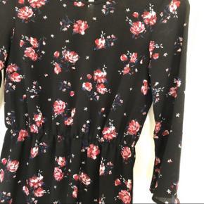 Sød kjole fra H&M, str S :)