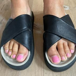 Inuikii sandaler