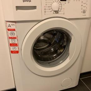 Vaskemaskine med f4 fejl. Jeg ved ikke hvad der er gal med den, men den kommer op med denne fejl. Vaskemaskinen kan afhentes gratis, hvis nogen kunne have interesse i selv at rode med den. Afhentes 6700.