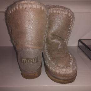 Mou Kids, str 35, min datter har kun brugt dem få gange Perfekte hvis du ønsker din datter i buch copenhagen stil 😍