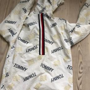 Så fin jakke, str 176 cm.  Bytter ikke. Mp: 500