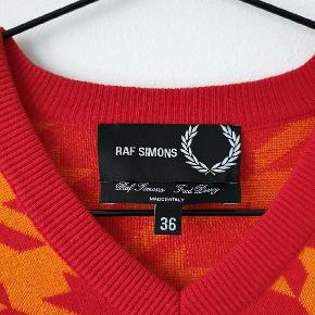 Cool sweater worn once Fits S-M