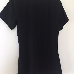 Nike trænings t-shirt str. L Kun brugt få gange.