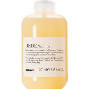 """Super lækker """"DEDE hairmist""""/leave-in conditioner fra det populære kvalitetshårmærke Davines, 250 ml og har den skønneste, friske citrus-agtige duft. Virkelig skøn og gør hvad den lover! (se billederne for beskrivelse af produktet)  Som man kan se på billederne, har jeg brugt til ca. hvor det hvide mærkat begynder (se billedet hvor jeg viser det, så sådan ca. 1/3 brugt🤔) men der er stadig rigtig meget tilbage og den er SÅ drøj i brug og holder altså i super lang tid. 🙌🏻Sælges kun, fordi jeg har nogen andre lignende hårprodukter, så der skal sorteres ud 😉🤦🏻♀️  Som man kan se på et af billederne, ligger nyprisen omkring de 219-240 kr.   Hvis den skal sendes, betaler køber fragt.  Mvh Betina Thy"""