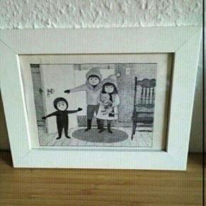 Børn billede i ramme  -fast pris -køb 4 annoncer og den billigste er gratis - kan afhentes på Mimersgade 111. Kbh n - sender gerne hvis du betaler Porto - mødes ikke andre steder - bytter ikke