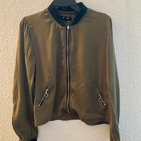 Jennyfer jakke