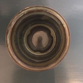 Vase fra Bloomingville  H:12 cm D:11 cm Fremstår som ny og har ingen skår