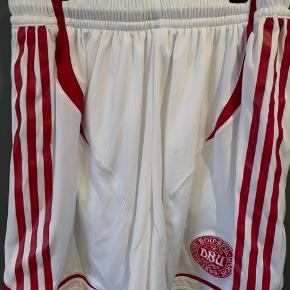 DBU hvide shorts.  Nsn.