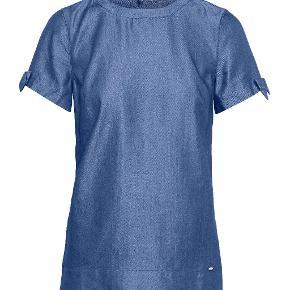 Lækker T-shirt fra Ted Baker, med sløjfer på ærmerne. CBN T-shirt with tie sleeves, str 1 (Ted Baker bruger sine egne størrelser, svarer til UK8/EUR36), nypris £60