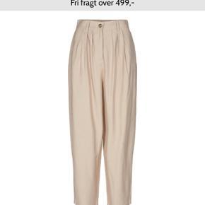 Lækker bukser. De er brugt 1 gang. Bytter ikke