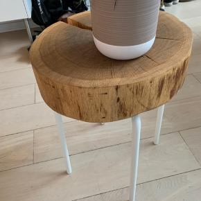 Homemade træbord.