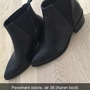 Pavement støvler, str 36 i sort. Været på en gang i 10 min, men de er for store til mig.  Nypris 999.