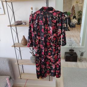 Boohoo Kimono