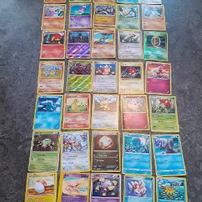 35 Pokemon kort i rigtig flot stand Befinder sig pt i Aalborg centrum kan mødes. 50kr