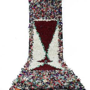 Boucherouite løber måler 330 x 65 cm. Er håndknyttet. Har aldrig været brugt. Sendes med GLS hvor porto er 100 kr.
