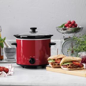 Ny Slow Cooker. Fra firkløveren. Byd hele familien på en herlig langtidskogt ret! Lad kød og grøntsager koge langsomt under lav temperatur i lang tid og skab fantastisk gode smagfulde retter hvor retterne beholder sine næringsrige stoffer. Det bedste af det hele er, at madlavningen passer sig selv mens du kan bruge tiden på andet. Bekvemt, godt og sundt.  Tåler opvaskemaskine: Ja Volumen: 3,5 l