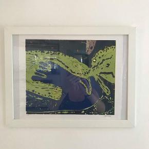 3 stk flotte signeret håndlavede litografier af kunstneren  Bill MLinde. 35x29cm 400 kr/stk  De er modtaget i gave, aldrig været brugt.  De leveres i en ramme for beskyttelse. Denne kan erstattes af en flottere ramme efter ønske.  Kan hentes i Rungsted. Sender gerne.