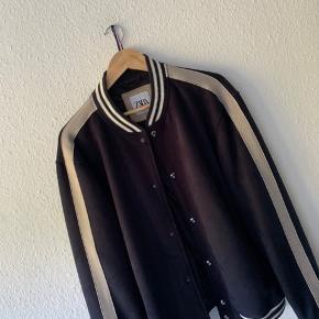 ZARA ruskinds jakke (navy Blue)  Str XL   Cond 10/10