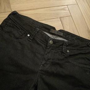 Object Jeans, God, men brugt. Randers - Str 33/34. Object Jeans, Randers. God, men brugt, Brugt en periode og har derfor mindre tegn på brug