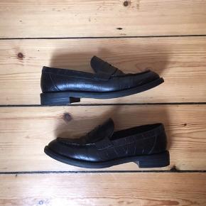Sorte loafers fra Vagabond. Passer en størrelse 38 men er en størrelse 37. Er åben for bud ☺️