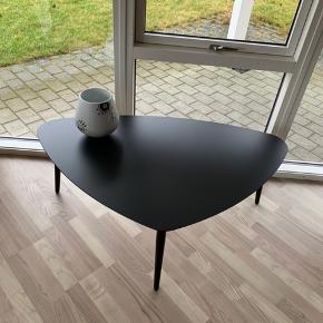 Helt nyt sofabord , kan komme i egen kasse igen. H 45 B 120
