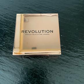 Revolution hudpleje