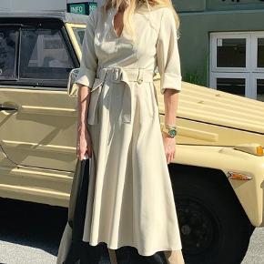 Fin Gestuz kjole, aldrig brugt, mærke sidder stadig på.. normalpris 1600 kr