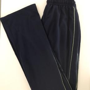 Stig P bukser i str xs. Brugt, men fremstår pæn.  Kan afhentes i Ørestad eller sendes på købers regning.