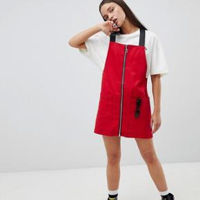 THE RAGGED PRIEST PINAFORE DRESS WITH ZIP FRONT Str. Xs Brugt max. 3 gange