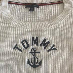 Tommy Hilfiger bluse som ny kun brugt 1 gang