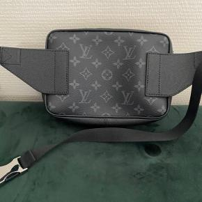 Louis Vuitton crossover.  Alt og  Cont 9,5  Nypris 10500 Mp 7500 Bin 8500