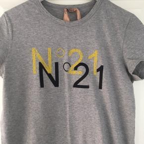 Fin No 21 T-shirt  Str. 44 it.