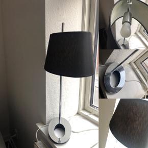 Super fin bord lampe.  Den er brugt, men i god stand. Mp er 100kr.   Sendes ikke.