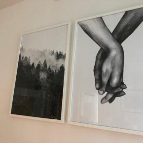 To plakater fra Desenio størrelse 50x70 med ramme fra Ikea.  Rammerne har lidt tegn på brug men plakaterne er som nye da de altid har været i ramme.   Nypris 576,- Sælges for 350,-   Hentes på Islands Brygge