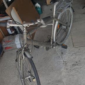 Cykel sælges, har brug for en kærlig hånd.