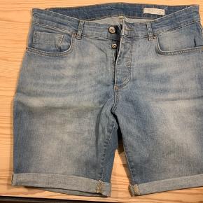 Selected jeans shorts str. M stort set ikke brugt.