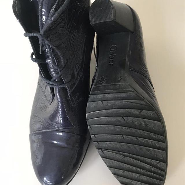 Gabor sko der går op på foden og med en hæl.