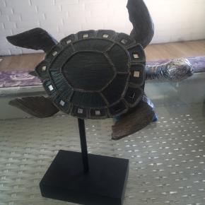 Figur af skildpadde købt i Spanien  1 uge gammel - den passer bare ikke ind med min anden indretning desværre