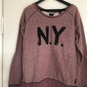 Fed sweatshirt i råt look. Som ny.  Str.4.