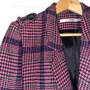 Super fin blazer fra Gestuz.   Aldrig brugt :-)