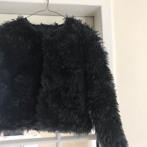 BYD!!!    Sælger denne fine frakke som er blevet prøvet på op til 3 gange men ikke var noget alligevel
