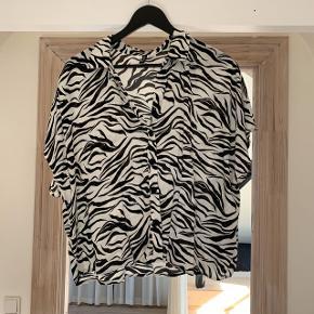 Skjorte i zebra print